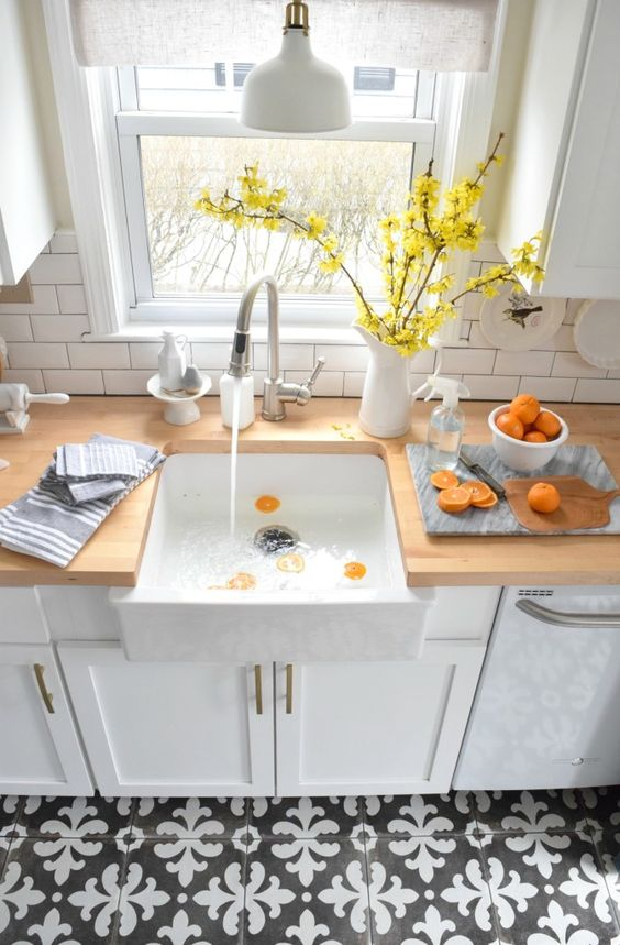Off White Kitchen Cabinets With Butcher Block Countertops : 3 Kitchen Countertop Trends And 25 Examples - DigsDigs