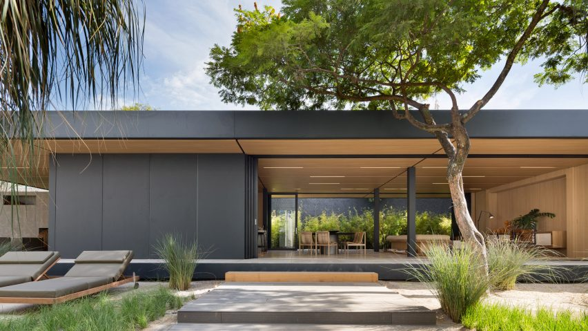 This contemporary prefab is a highly efficient and sustainable designed with a lot of features that can be customized