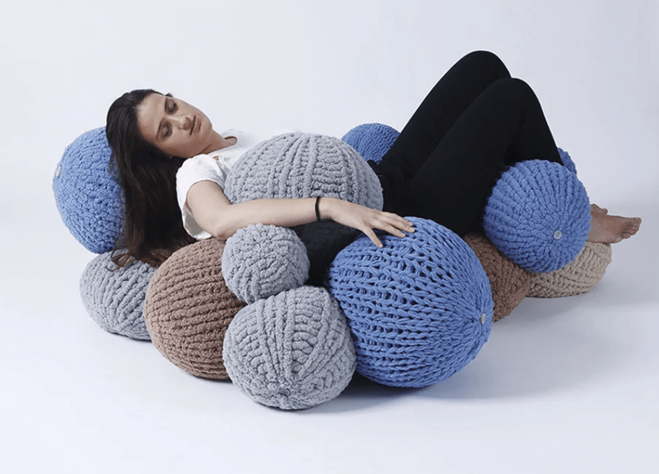 The balls are knitted in two different ways to give them a cool textural look