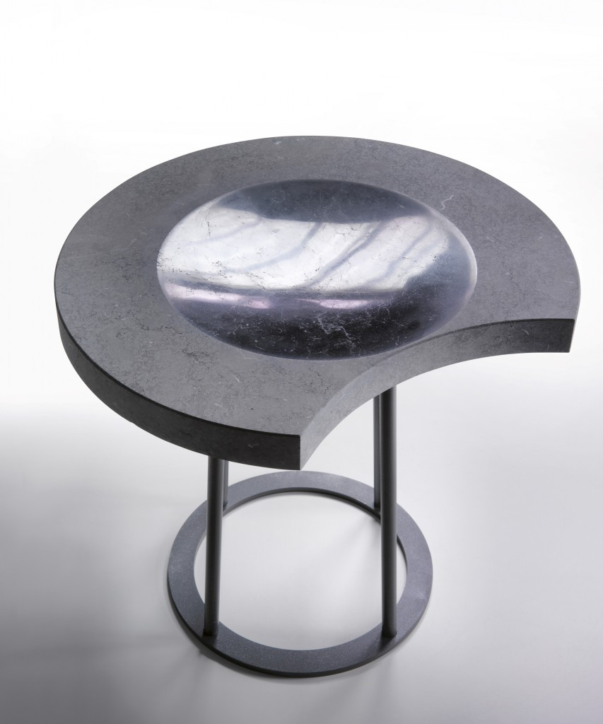 The table series shows off not only different phases but also various colors, textures and materials