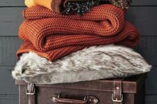 04 add some knit and usual blankets in the fall shades – rust, orange, brown
