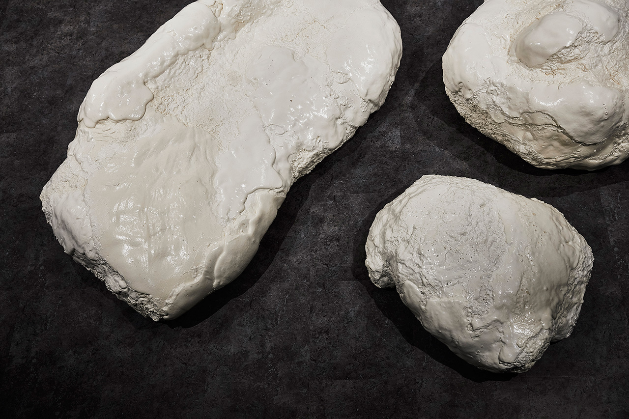 These are white foam meteorites, sofas and chairs