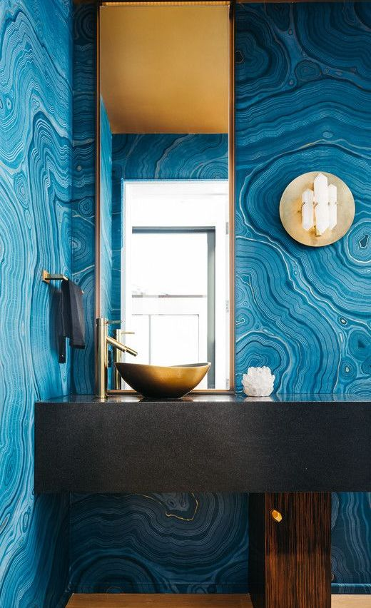 agate inspired wall decor in a bathroom