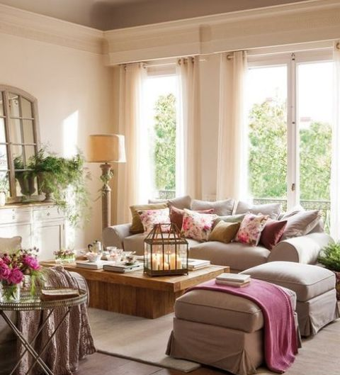soft beige as the main color, light brown as a secondary and dusty pink for an accent