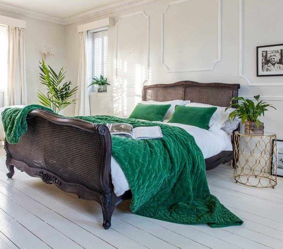 emerald velvet bedding adds color, texture and interest and is ideal for cold seasons