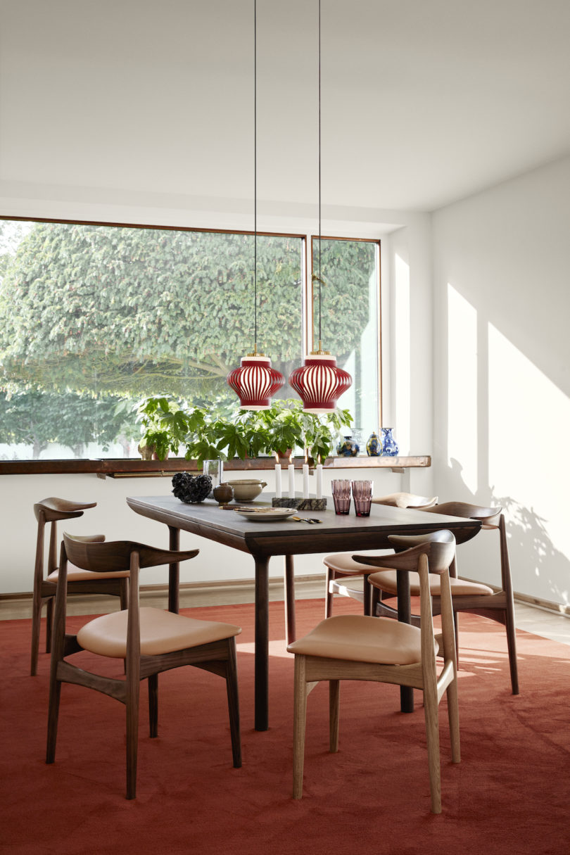Runa series includes a dining table and a desk, it features purely elegant and stylish designs and chic lines