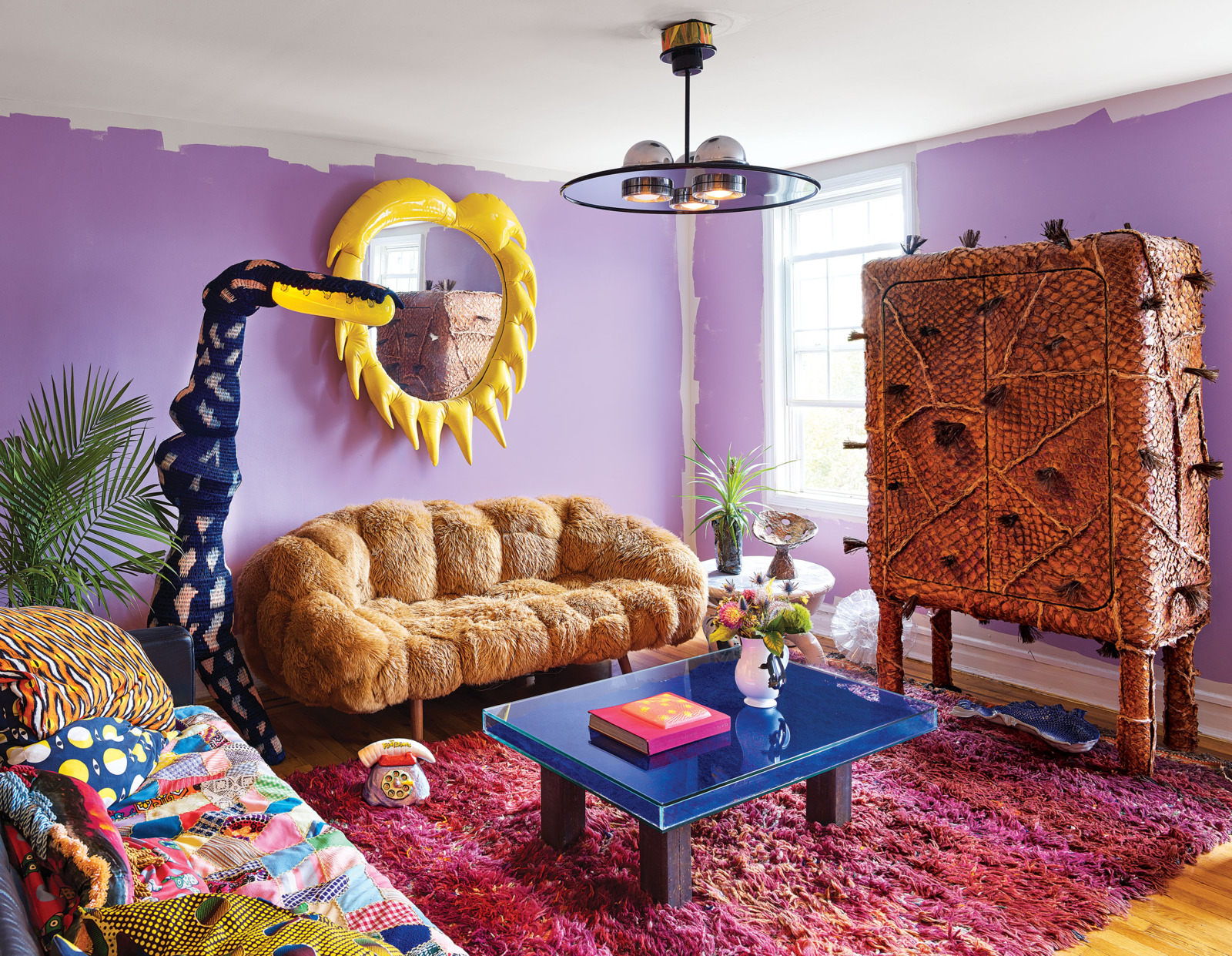 This colorful home is pure craziness, full of colors, bold designs, unusual furniture and accessories