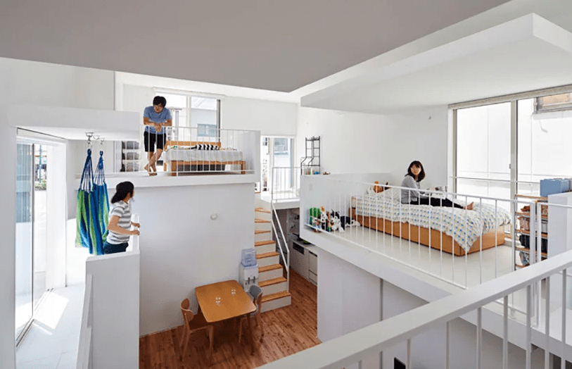 Each balcony contains a sleeping space for a member of the family or members and makes the whole home an interactive space