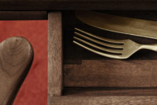 02 There's a small drawer concealed in the table, it may be used for storing cutlery