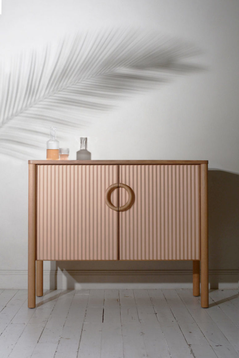 Despite of the brutal basic material, the furniture looks very soft and intricate