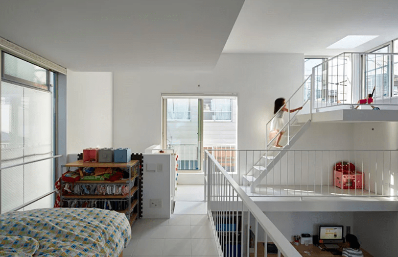 Such a layout inspires much communication and the whole home feels very airy