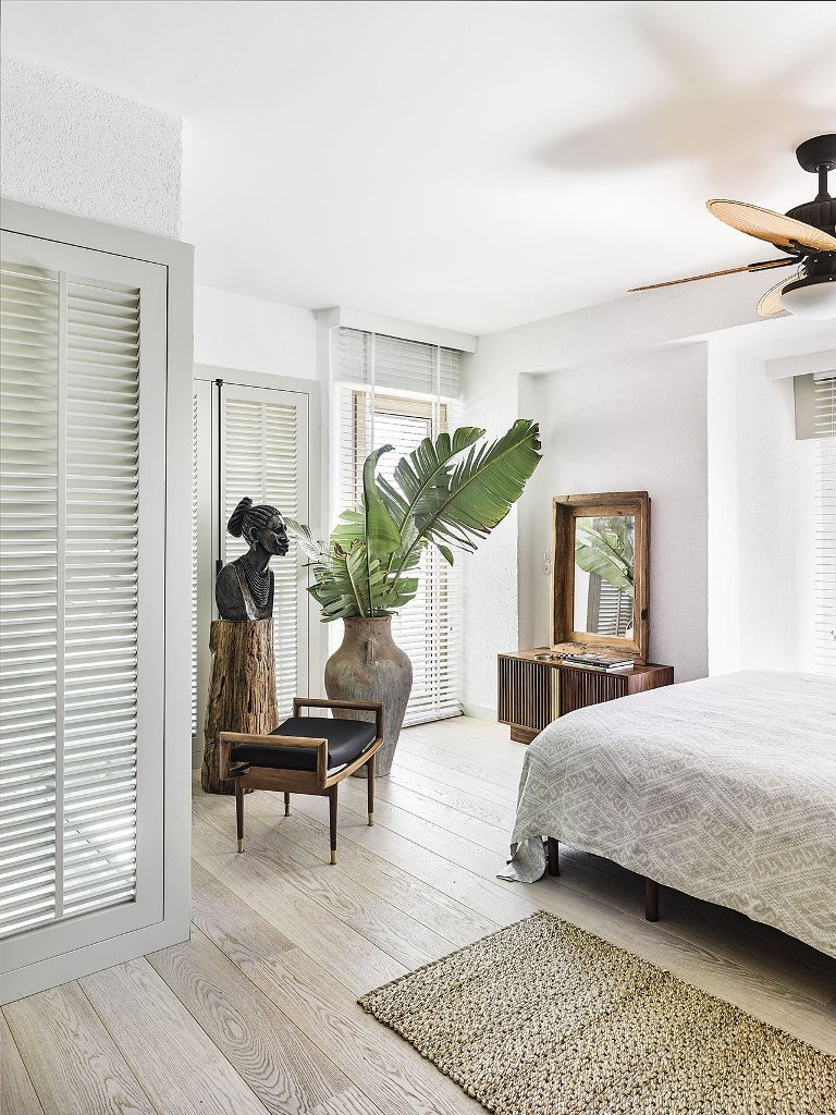 shutters to remind about colonial style