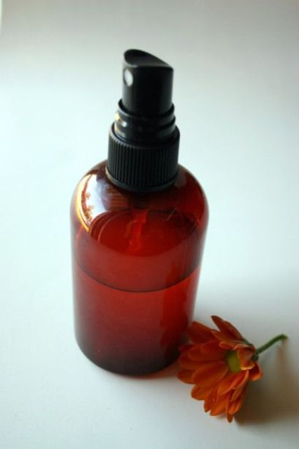 make some fall and Halloween inspired room and linen spray with pumpkin spice or other aromas