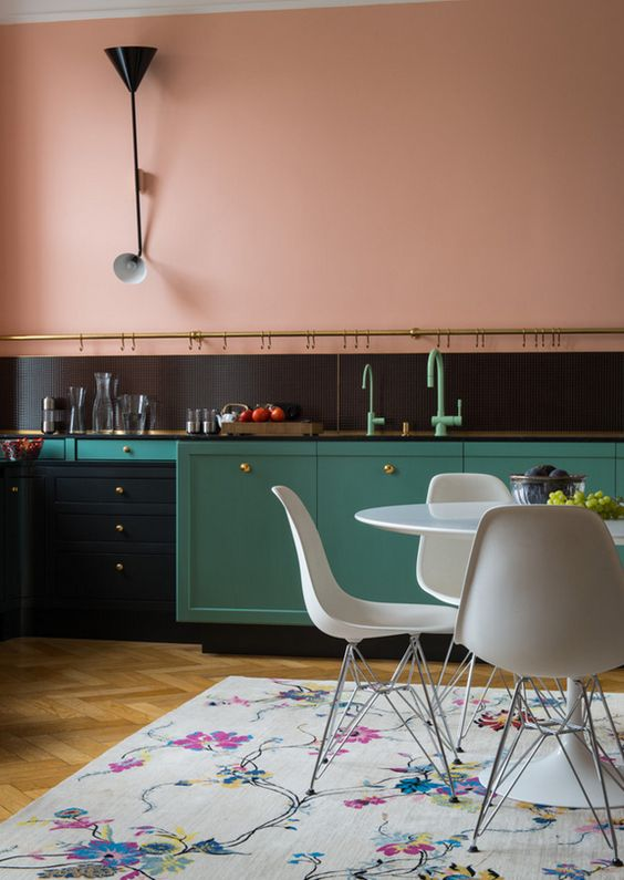 a bold color blocking idea with dusty pink, black and green plus brass touches is a chic option