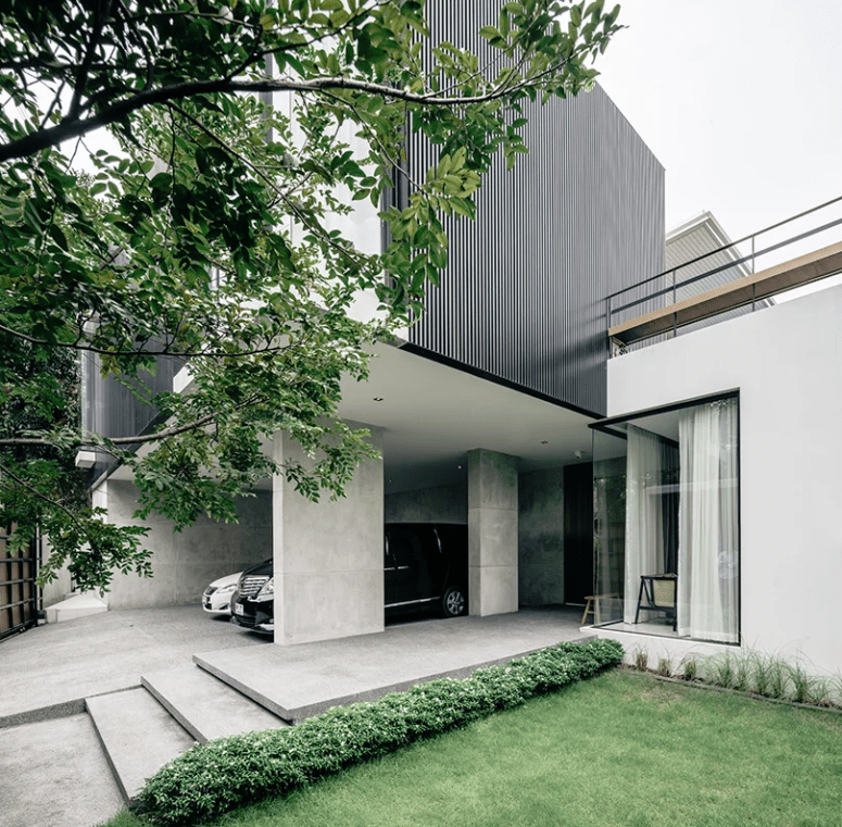 Wood, metal and concrete were used both indoors and outdoors to give the residence a luxurious modern feel