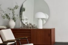11 clean lines and geometric shades characterize the space giving it the features of the style