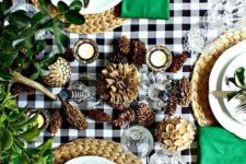13 add bright emerald and green touches to your Thanksgiving tablescape, plus pinecones