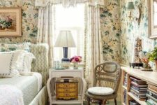 18 sweet light-colored floral patterns are number one for creating an English cottage look, they are very organic here