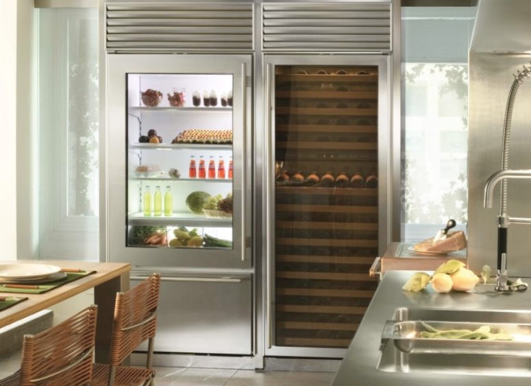the fridge shows off perfect order inside, which should be kept there all the time for a chic look
