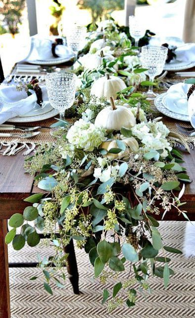white real pumpkins, hydrangeas and fresh eucalyptus are all you need for a gorgeous Thanksgiving table decoration