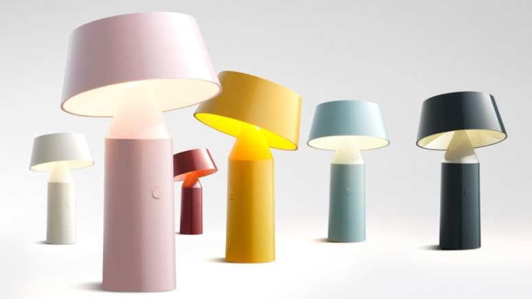 Bicoca lamp is a cute and functional piece, and its main advantage is that it can pivot to illuminate what you need