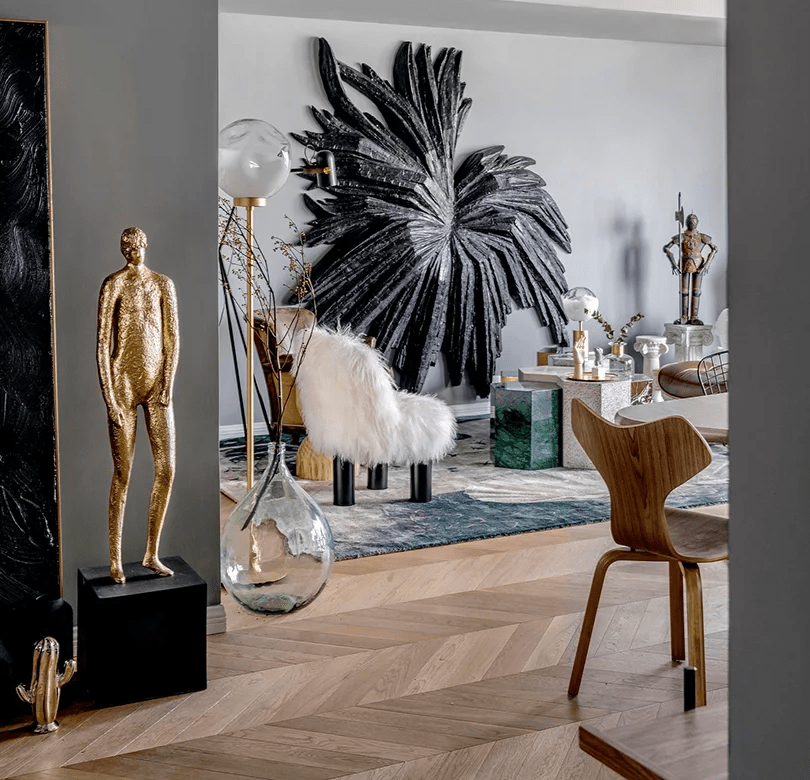 This unique apartment is full of unconventional solutions and shows off a gorgeous art collection of the owners