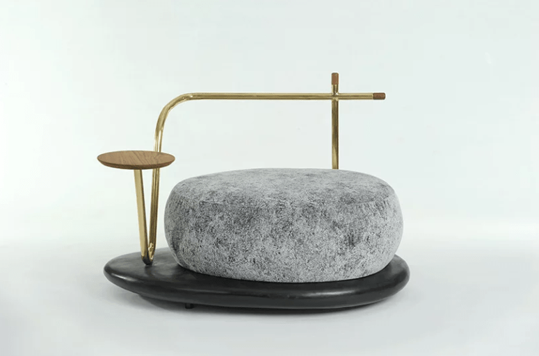 This brass backrest brings ultimate elegance and chic