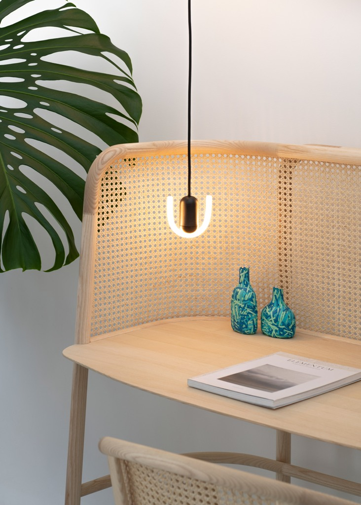 An innovative rotating mechanism hidden inside means that the lights can be easily adjusted