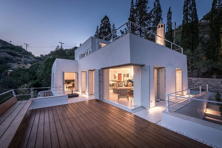 This is how the house looks at dusk