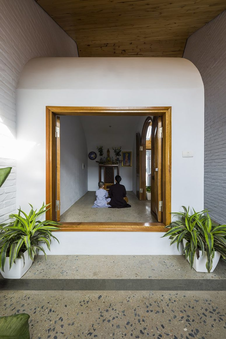 There's a private pray space inside the home, which is kept darker and can be hidden from the eyes