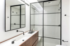 11 The bathroom was enlarged to make it more comfortable and welcoming
