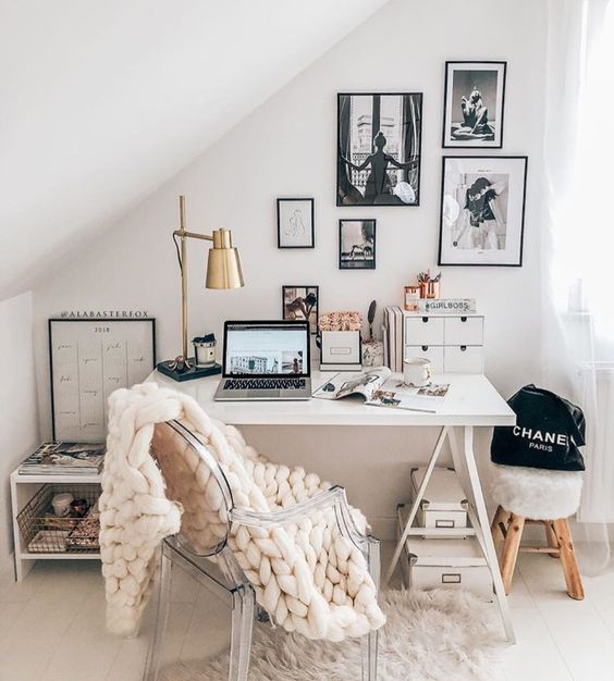 a neutral home office and a play of textures with chunky knit, faux fur and metal for a catchy look