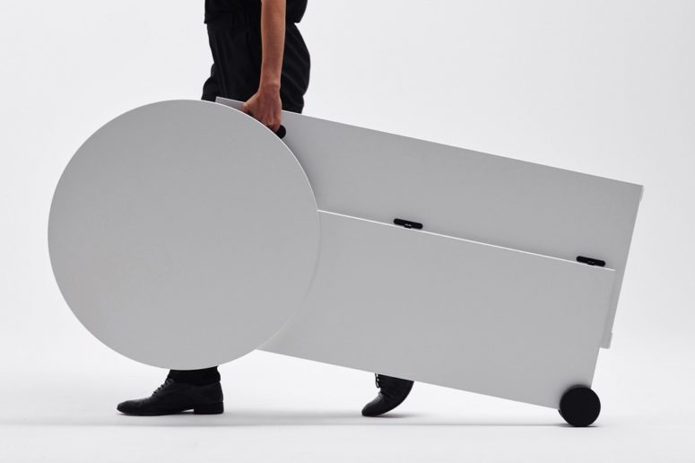 TEMP desk is a rollable and foldable piece that totally responds all the modern requirements of changeable spaces