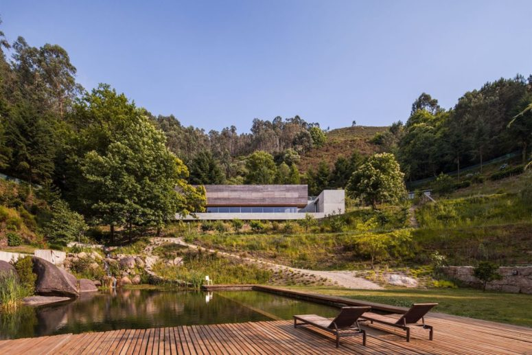 Weekend Retreat Embedded Between Two Natural Ponds