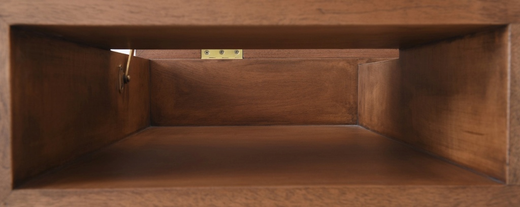 There are also solid brass accents for a little shiny touch and a glam feel, they perfectly match the mahogany used