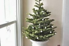 06 small-scaled Christmas ornaments are always cool, size them down to get more space