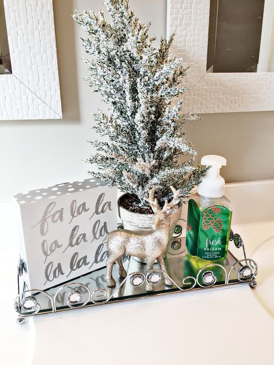 a single and simple festive display with metallic touches is a gorgeous idea to rock for