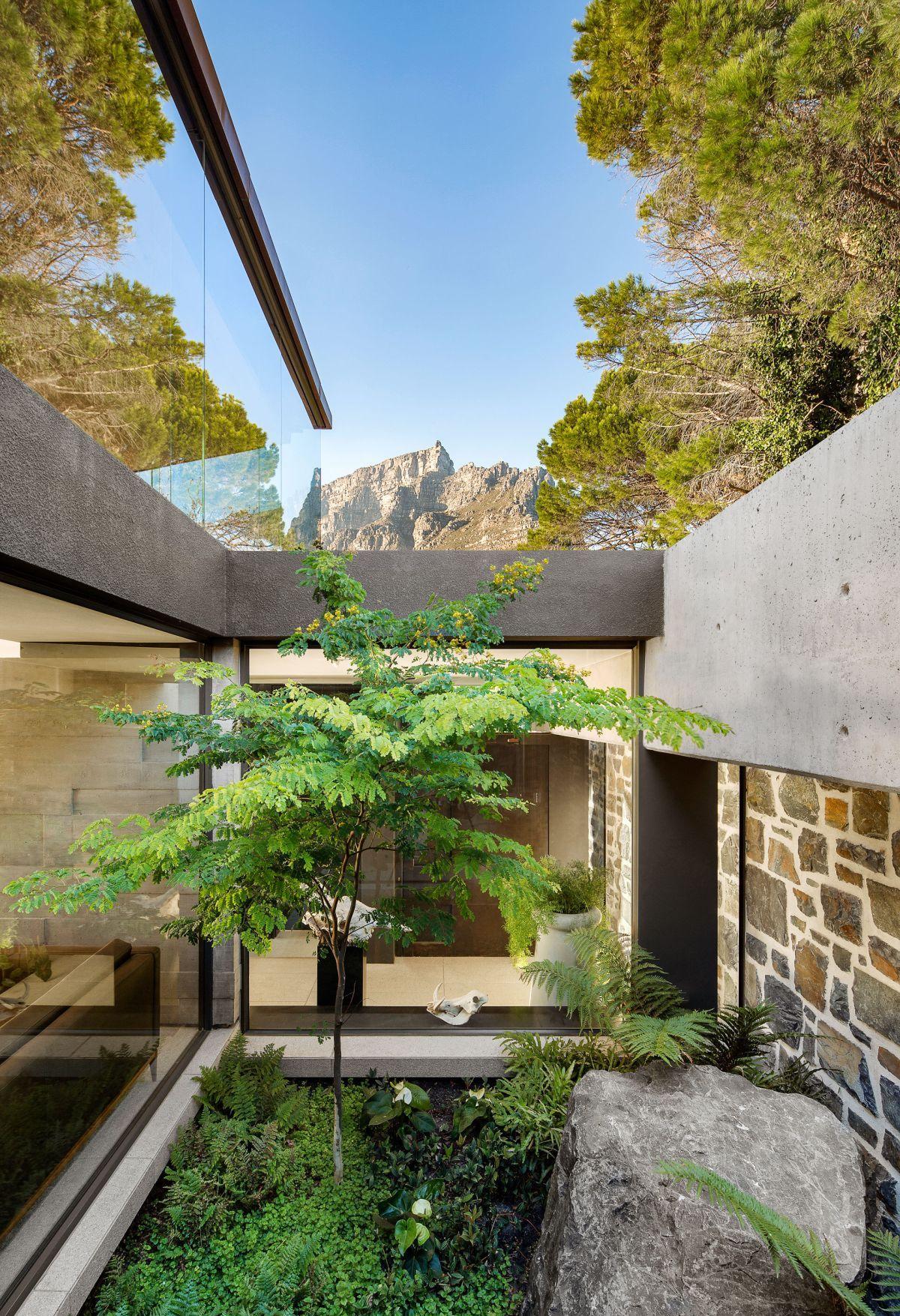 zen inspired courtyard design