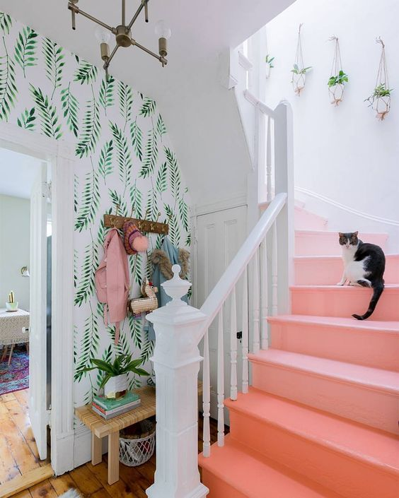 a coral ombre staircase is a bright and fun idea, besides this color is the color of 2019 by Pantone
