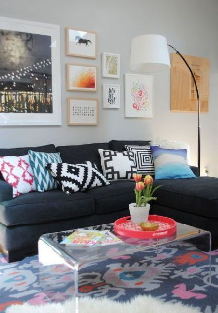 choose a dominant color for your eclectic space and add other colors just as secondary ones