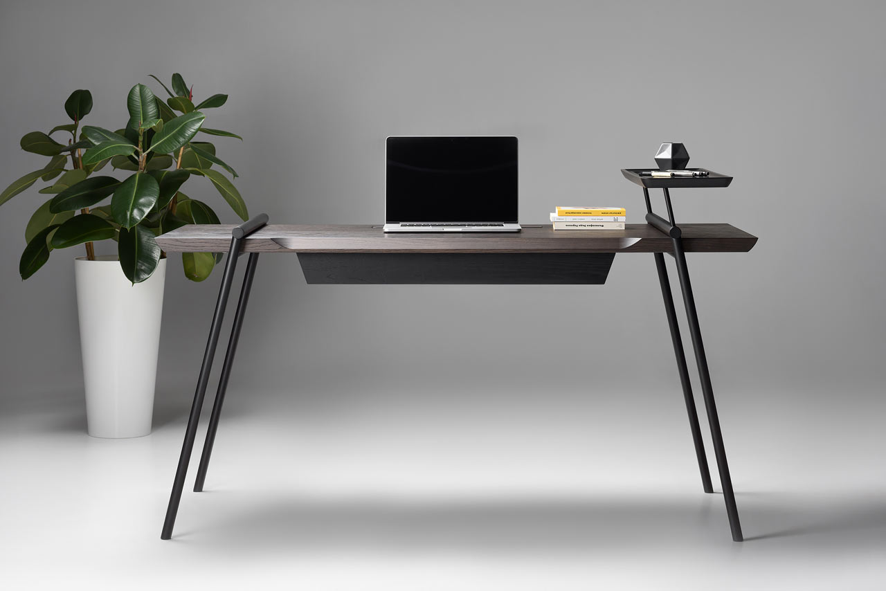 DUOO is a modern and sophisticated writing desk, which inspires you working and creating
