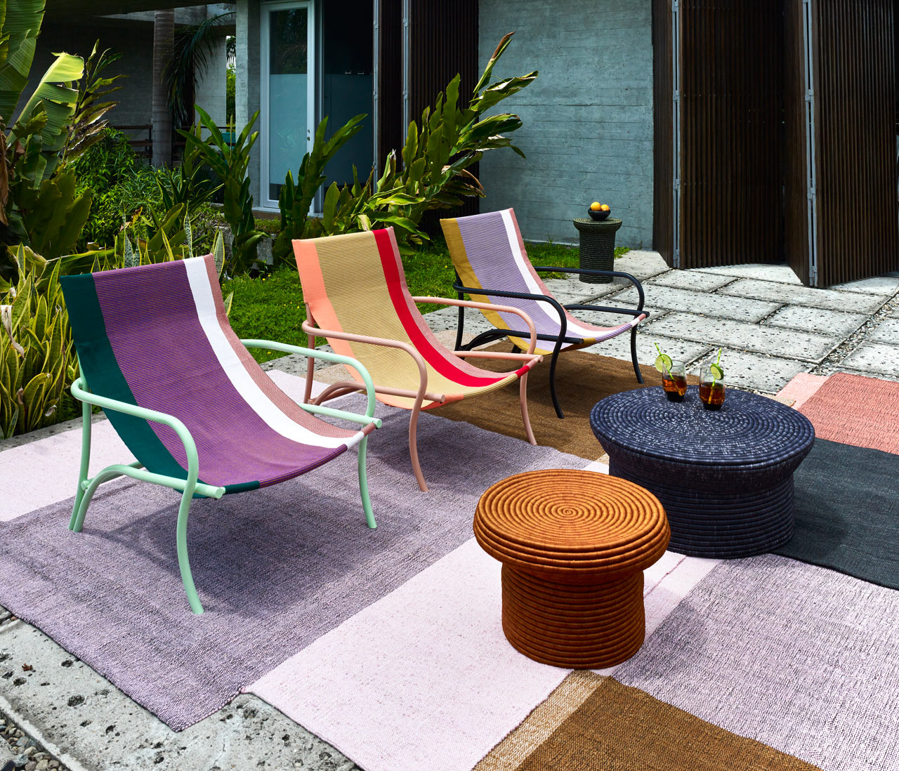 The Maraca lounge chair is inspired by the traditional Colombian hammocks and its colors and textiles show that off