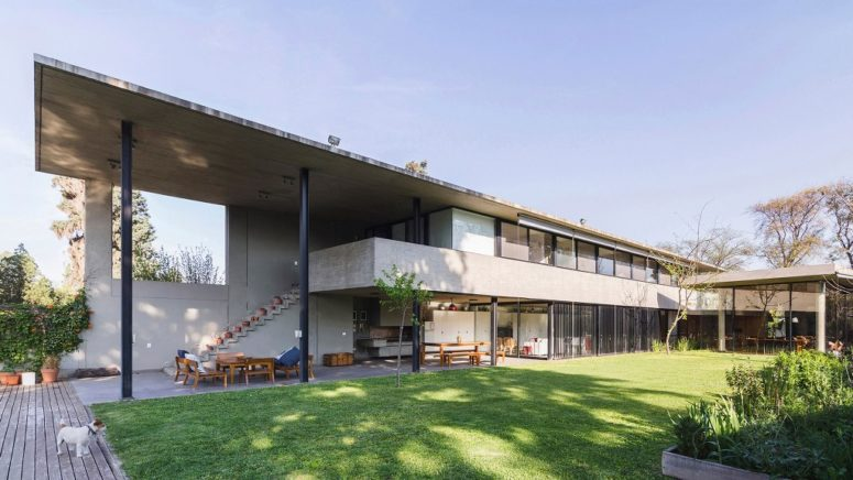Contemporary Concrete House With Extensive Glazing