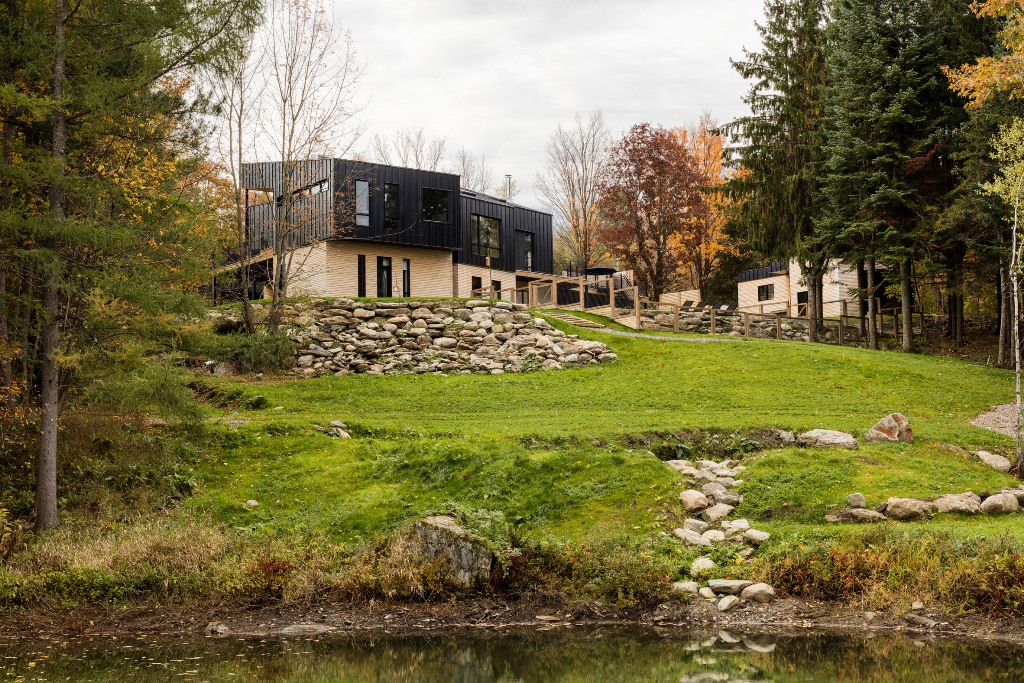 This industrial chalet was inspired by traditional homes of the location and even drawings by artists