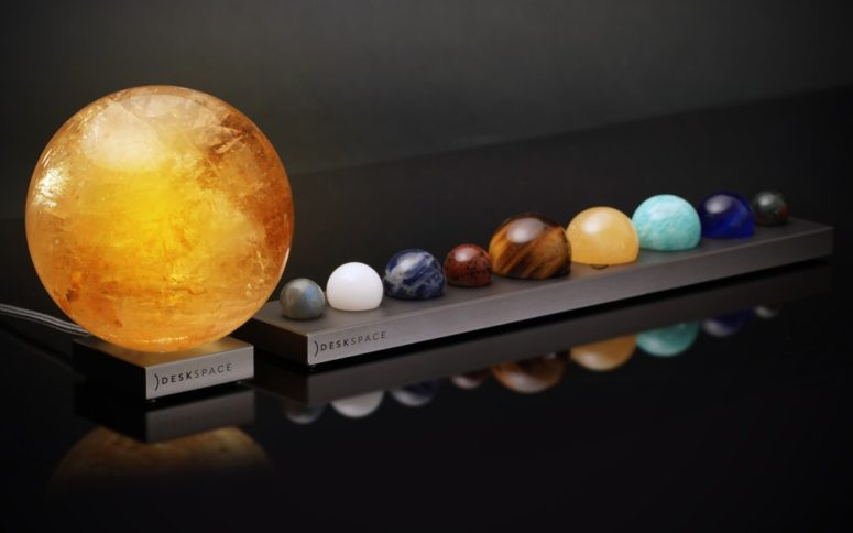 The lamp is available both separately and in the kit with Solar System lamps