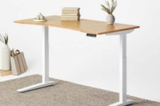03 The desk is eco-friendly, no chemicals were used to make it and no harmful stains either