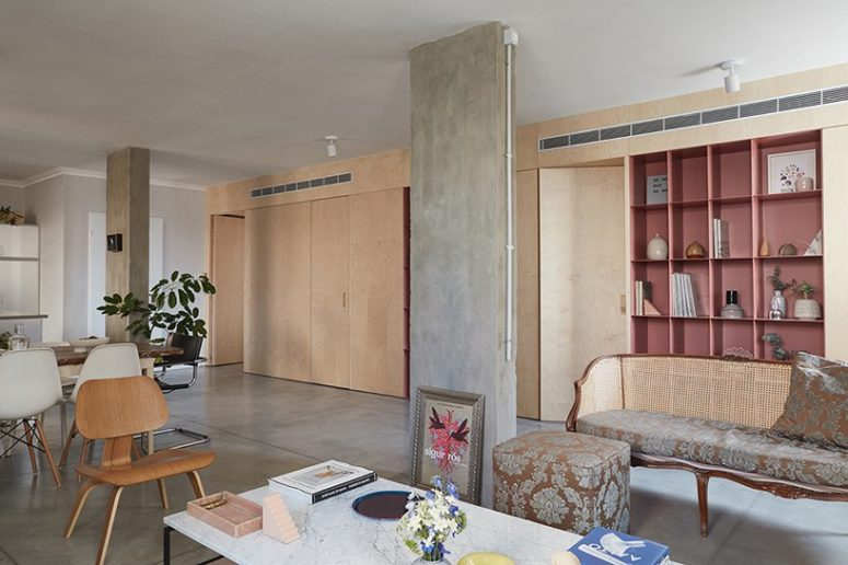 There are two exposed concrete columns in the main area to add chic and a unique feel to the space