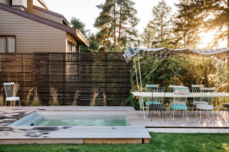 The deck also includes a hot tub, which is ideal to relax after a long day