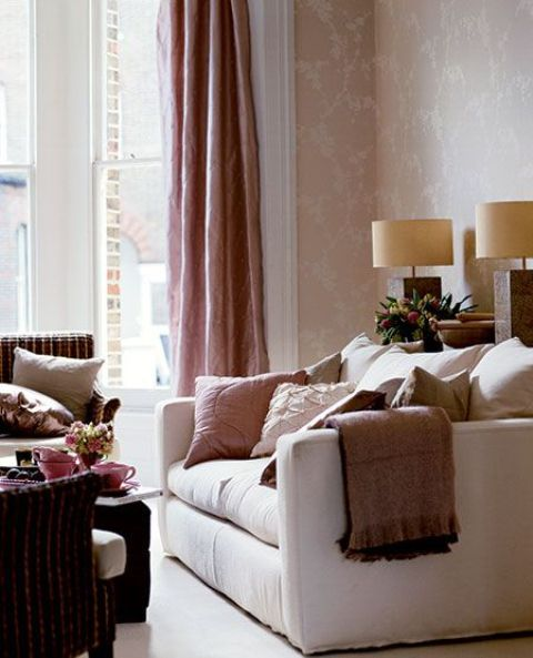 touches of dusty pink in a neutral space bring girlish vibes and elegance