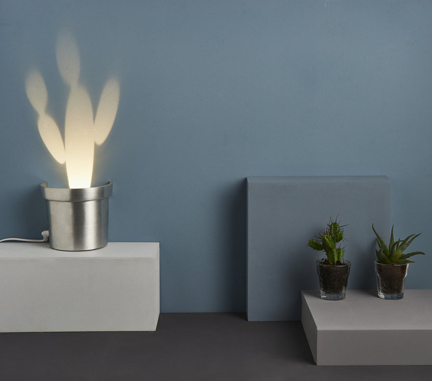 These simple yet catchy lamps are called Cactus and they feature these shapes only with light